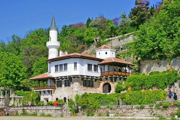 Dvorec-Balchik-Botanical-Garden-Islamic-Minare
