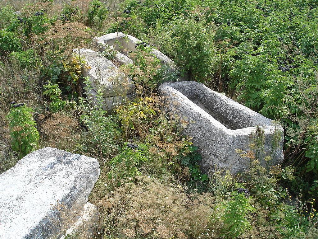 Old_Basilica_in_Pliska_Sarcophagus-near-altar