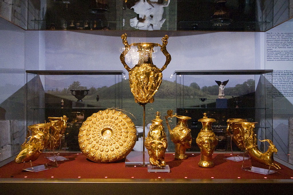 Panagyurishte_Unique_Thracian_Gold_Treasure_Bulgarian_National_history-museum