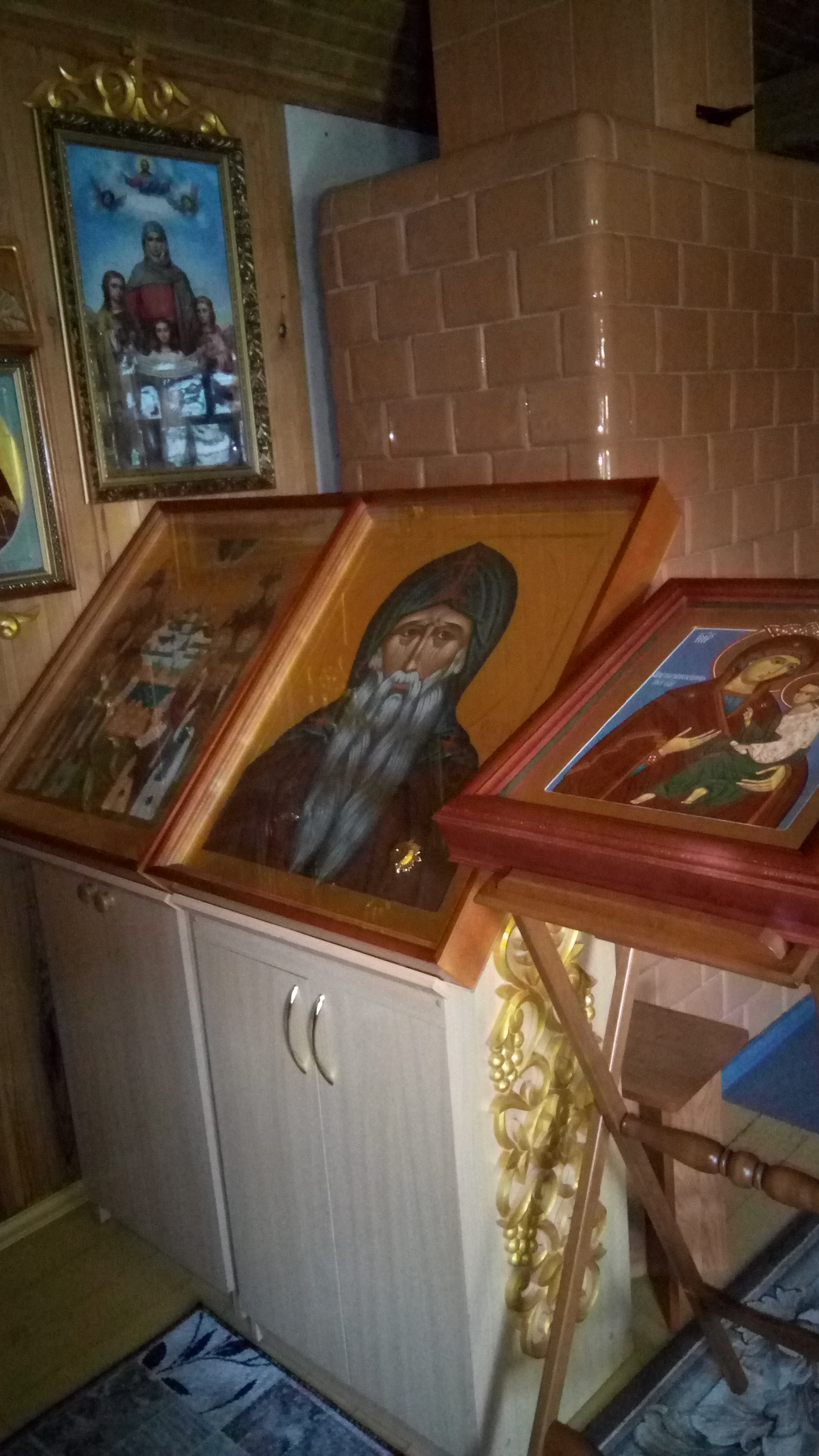 saint-Ambrose-of-Optina-icon-with-embedded-holy-reclics-Rusakovo-Zhyrovichi-skete-belarus