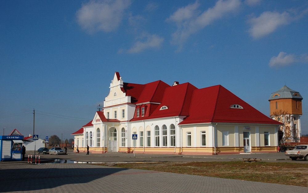 Slonim-city-Belarus-train-station
