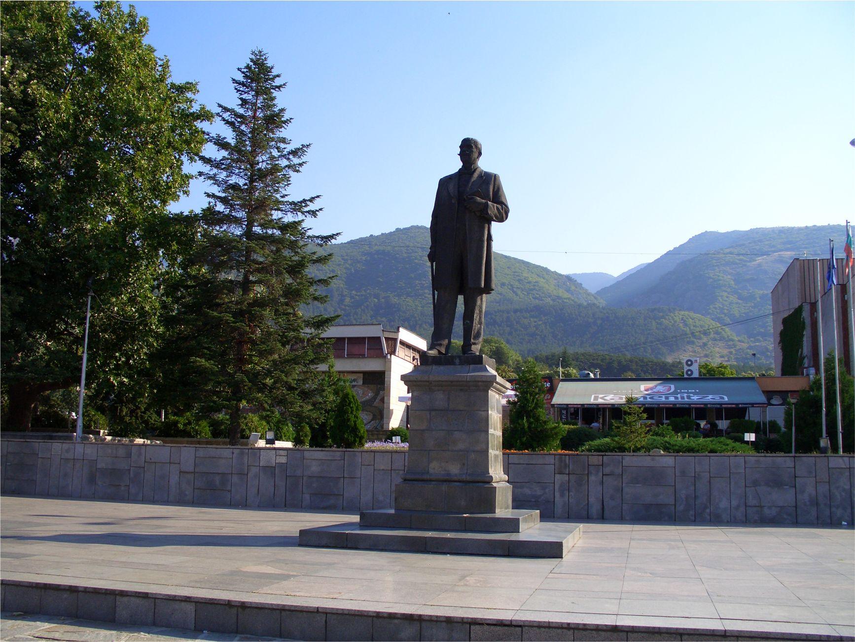 Sopot-Ivan-Vazov-monument