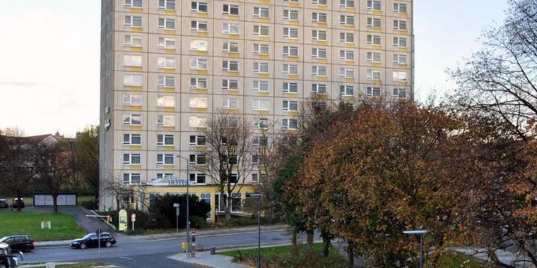 Terrasenufer-hotel-near-Dresden-city-center-for-a-non-smoker-hotel