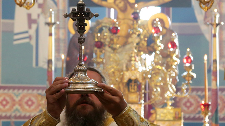 The_Exaltation-of-the-Holy-Cross-of-Christ-bishop-Polikarp-Bulgarian-Orthodox-Church