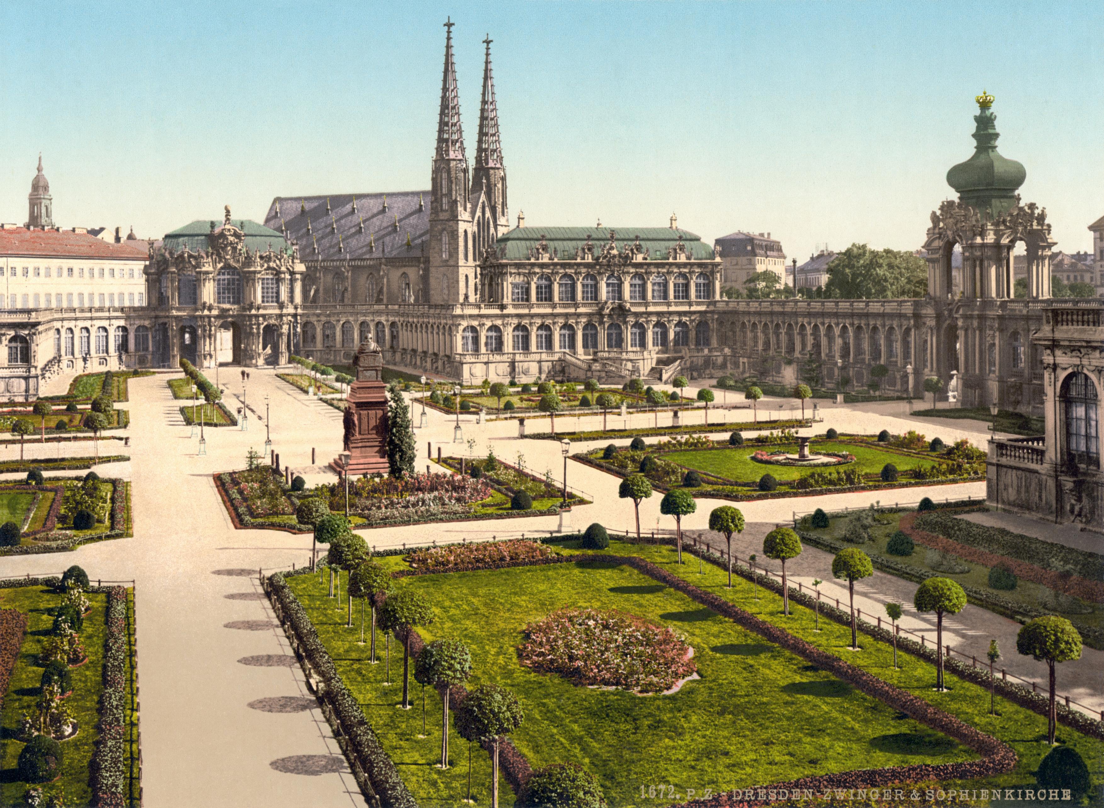 Zwinger-palace-dresden-garden