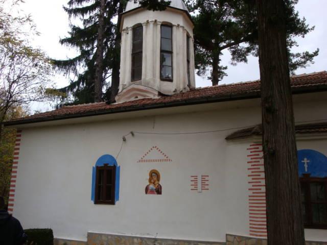 divotino_monastery_church-building-holy-virgin-Mary-on-church-wall