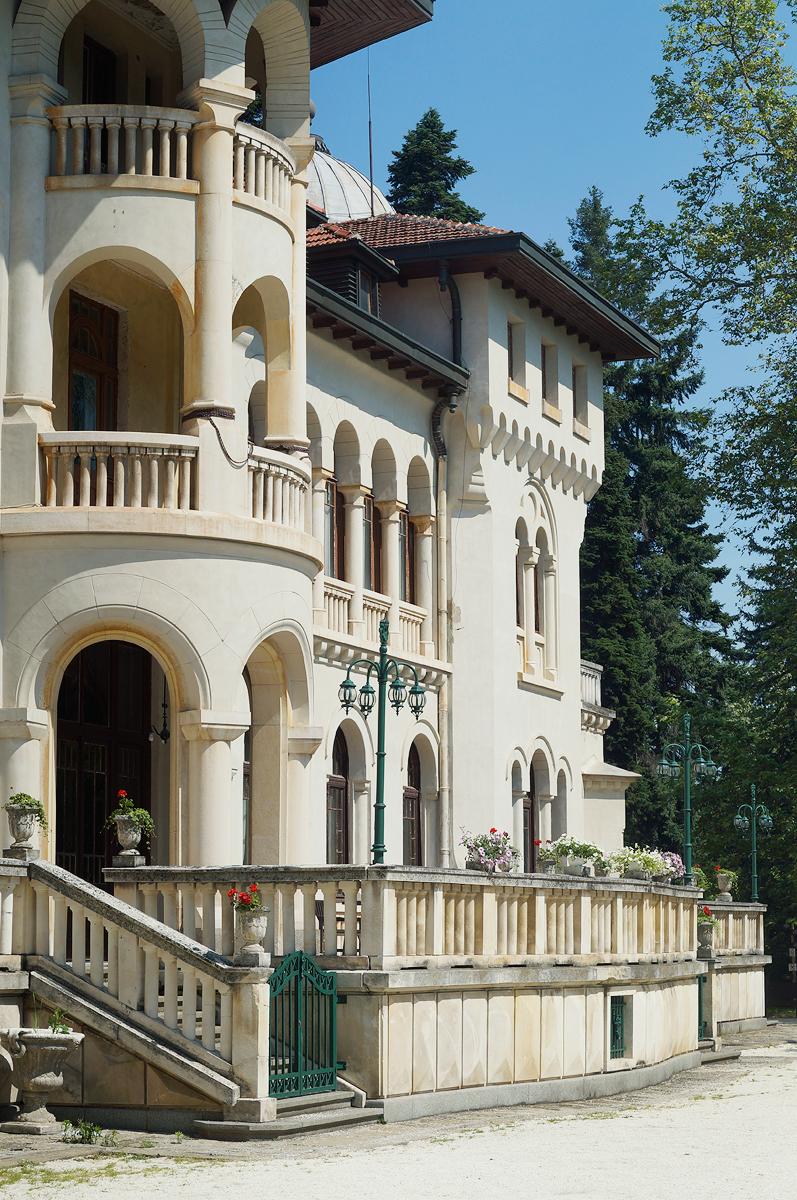 vrana-palace-sofia-bulgaria-terrace