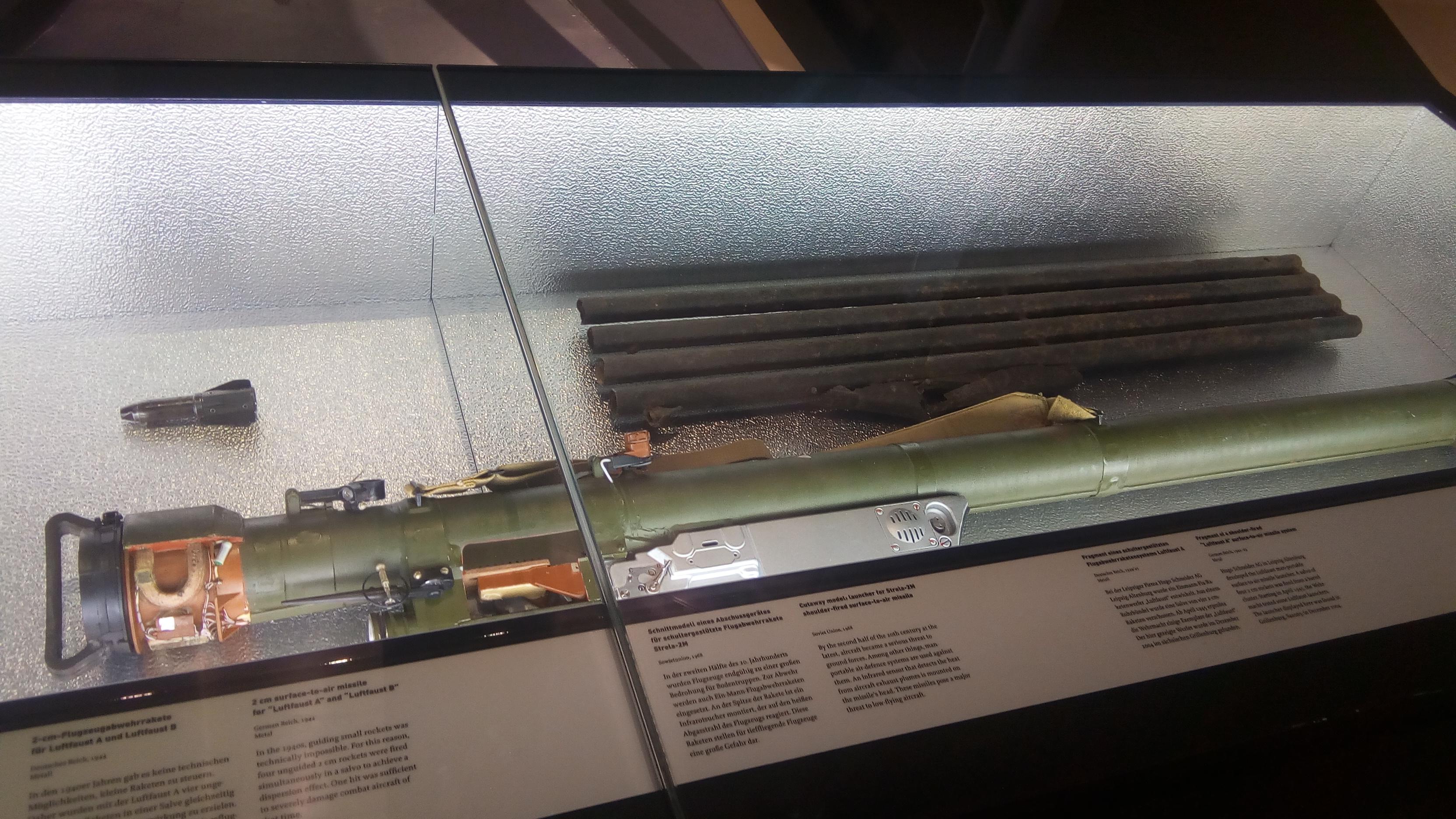 war-museum-8-rocket-launcher